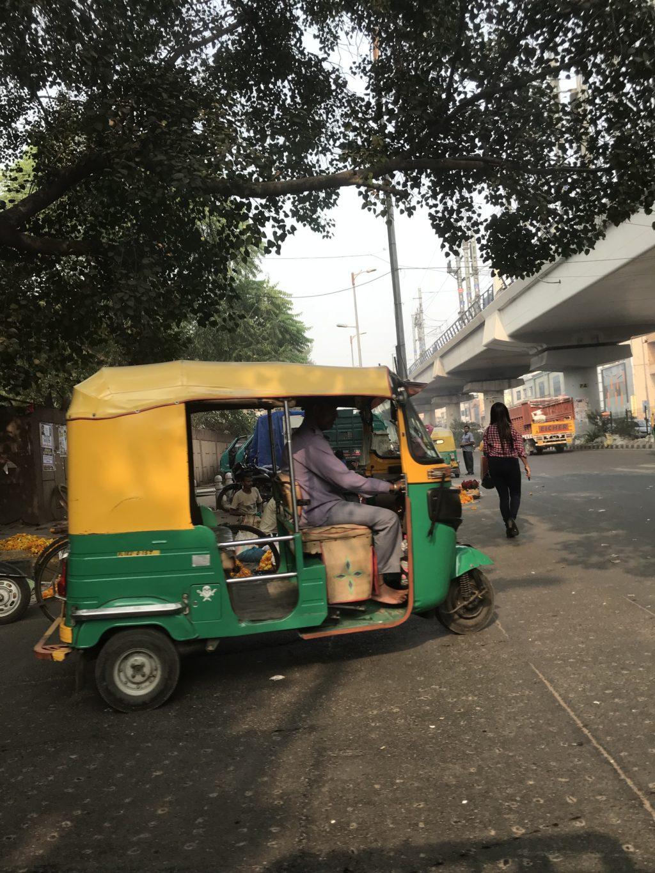 インドのオートリキシャ