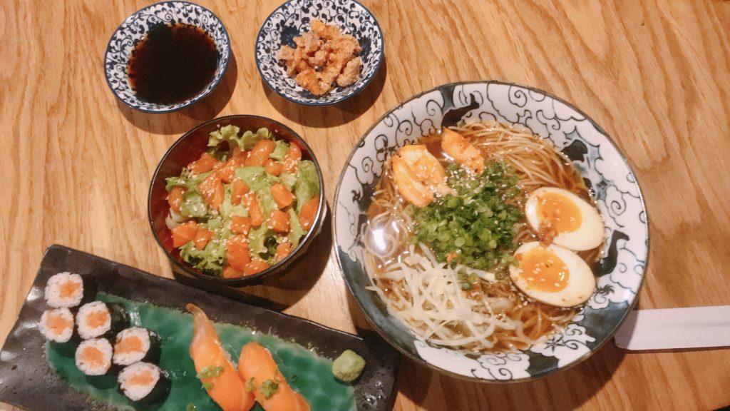 トビリシ  日本食35ラリ、大体1400円くらいかな